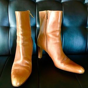 ANN TAYLOR TAN LEATHER ANKLE BOOTS Red Soles 7.5